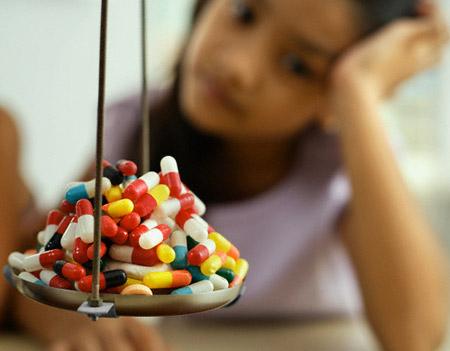 Những chú ý cần ghi nhớ khi dùng thuốc cho trẻ em dưới 12 tuổi