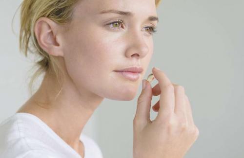 Bác sĩ liệt kê 5 sai lầm khi uống collagen phụ nữ thường mắc nhất, nếu không thay đổi sẽ làm mất tác dụng, thậm chí hại thân